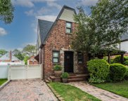 512 10th  Street, New Hyde Park image