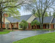 1246 Kings Glen, Town and Country image