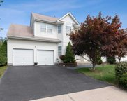 28 Peachtree Ct, Holtsville image