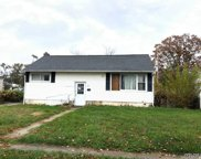 42 Penndale Dr, Amityville image