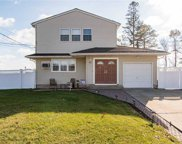 50 Appel  Drive, Shirley image