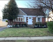 2160 Maple St, Wantagh image