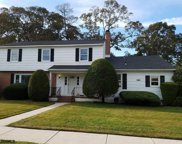 2 Holly Dr, Northfield image