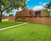 2576 N Lakeview Ct, Cooper City image