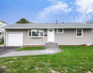 19 Eileen Ave, Plainview image