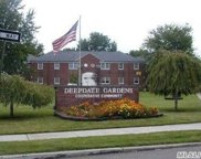 252-32 58 Ave, Little Neck image