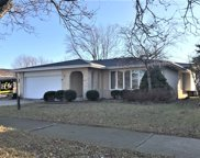 6253 Dolores Drive, Oak Forest image