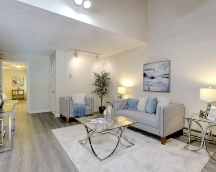 505 Cypress Point Dr 195, Mountain View