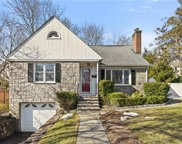 2 Renshaw  Place, Port Chester image