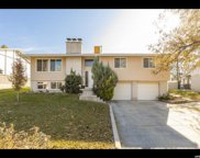 10483 S Weeping Willow Dr, Sandy image