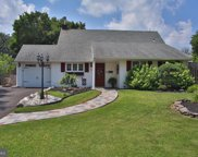 23 Hilltop Rd  Road, Levittown image