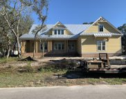 302 Ne 54th Street, Oak Island image