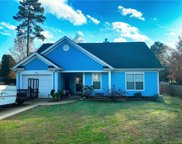 342 Cedarcroft  Drive, Mooresville image