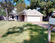 8711 Pines Place Drive, Humble image