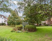 585 Trinity Pl, Westfield Town image