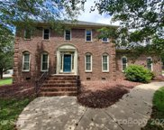 5314 Bedfordshire  Avenue, Harrisburg image
