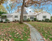 232 Round Hill Rd, East Hills image