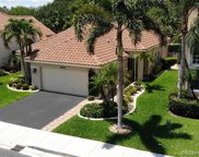 8932 S Lake Park Cir S, Davie image