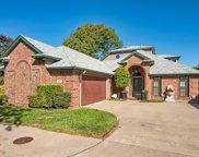 6137 Twin Oaks Circle, Dallas image