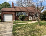20 Laurie  Boulevard, Bethpage image