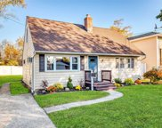 2371 Bayview Ave, Wantagh image