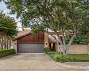 6215 Twin Oaks Circle, Dallas image