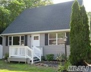 140 New Jersey Ave, Bellport image