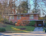6649 Old Chesterbrook   Road, Mclean image