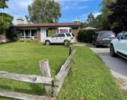 1906 E Rossland Rd, Whitby image