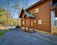 928 Falcon View Way, Sevierville image