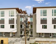 3062 E SW Avalon Wy, Seattle image
