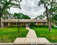 345 E Summit Ave, San Antonio image