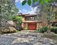 8 Country Club Way, Demarest image