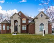55652 Lochmoor Dr, Shelby Twp image
