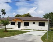 401 Hunting Lodge Dr, Miami Springs image