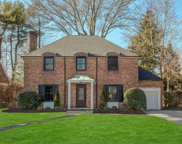11 Cambridge Ln, Manhasset image