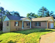 510 Maplewood Circle, Sevierville image
