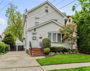 55 Rolling St, Lynbrook image