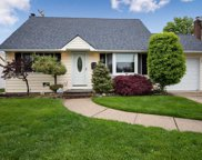 14 Moore Dr, Bethpage image