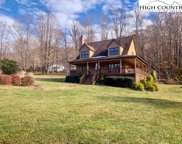177 Turning Leaf Trail, Zionville image