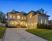 1611 Simmons Dr, Mclean image