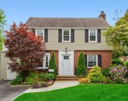 34 Byron  Place, Scarsdale image