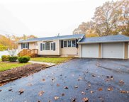 5 View Ct, Centereach image