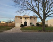 5 Melody  Ln, N. Amityville image