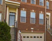 22072 Dilworth   Square, Broadlands image