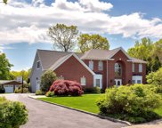 11 Schoolhouse Ct, Oyster Bay image