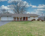 453 Tree Top  Lane, Des Peres image