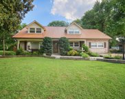 110 Colonial Dr, Hendersonville image