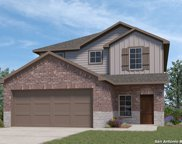 137 Middle Green Loop, Floresville image