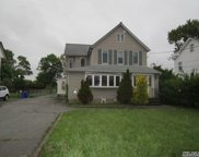 51 Sterling Pl, Amityville image